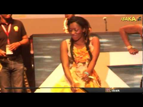 D'banj & K-Switch Storm The Stage With 'SISTER CAROL @ the Top 10 MICS