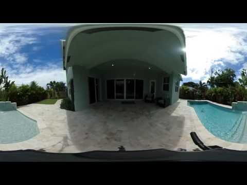 Beach house in Boca Raton, Backyard with pool 2 blocks from ocean