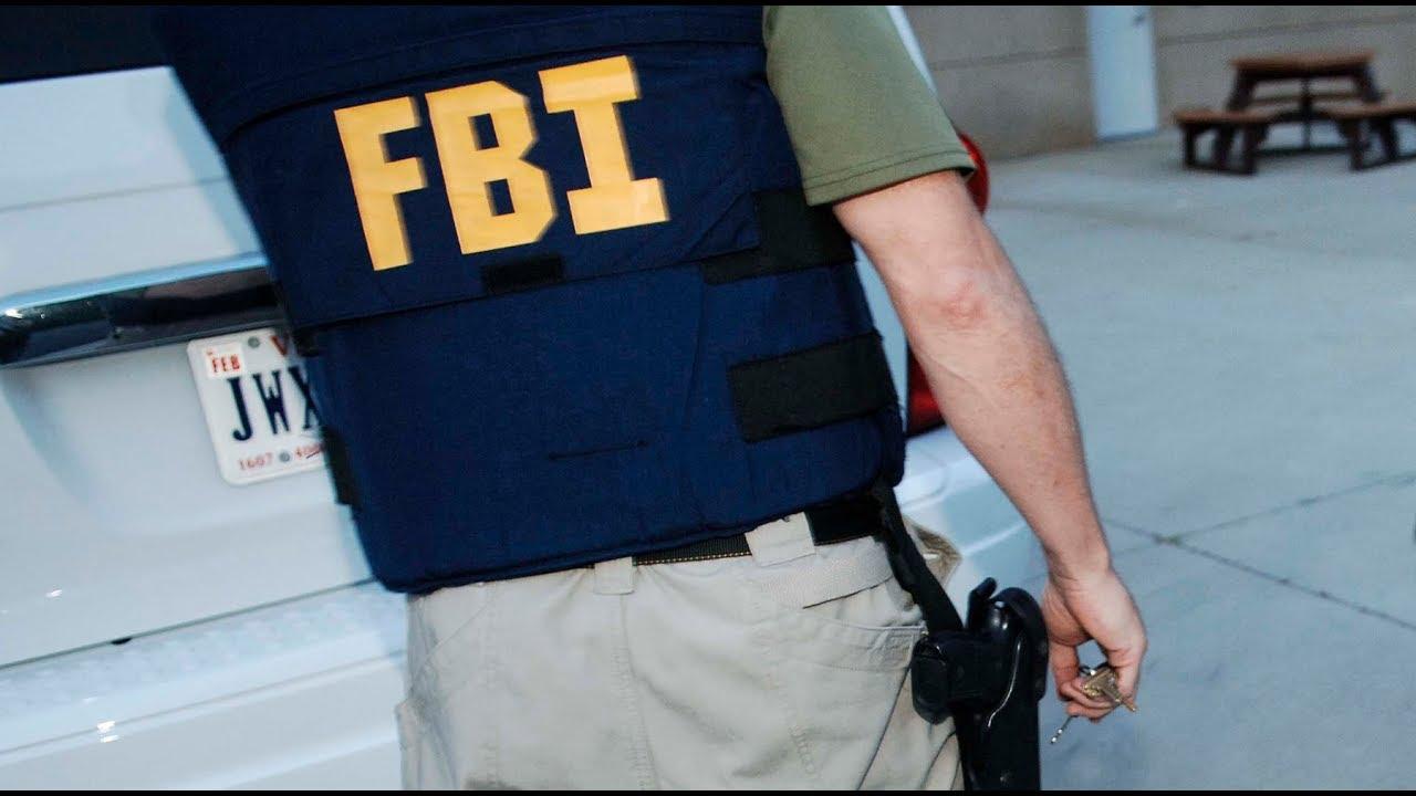 Охота на ястребов. ФБР подозревает всех?