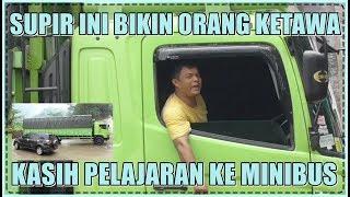 Download Ngakak, Supir Truk Kasih Pelajaran Ke Minibus Biar Kapok di Sitinjau Lauik