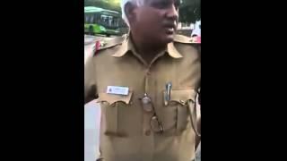 Indian police man abusing to public | gandi gaaliyan | on duty
