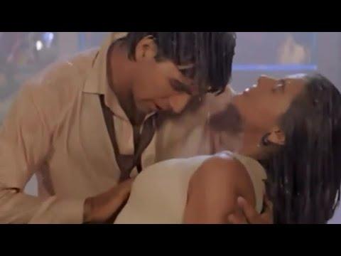 Sexy Kajol Akshay kumar hot scene thumbnail