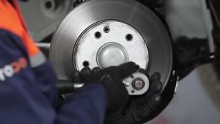 Kuinka vaihtaa etu jarrulevy, etu jarrupalat MERCEDES-BENZ 190 W201 -merkkiseen autoon OHJEVIDEO