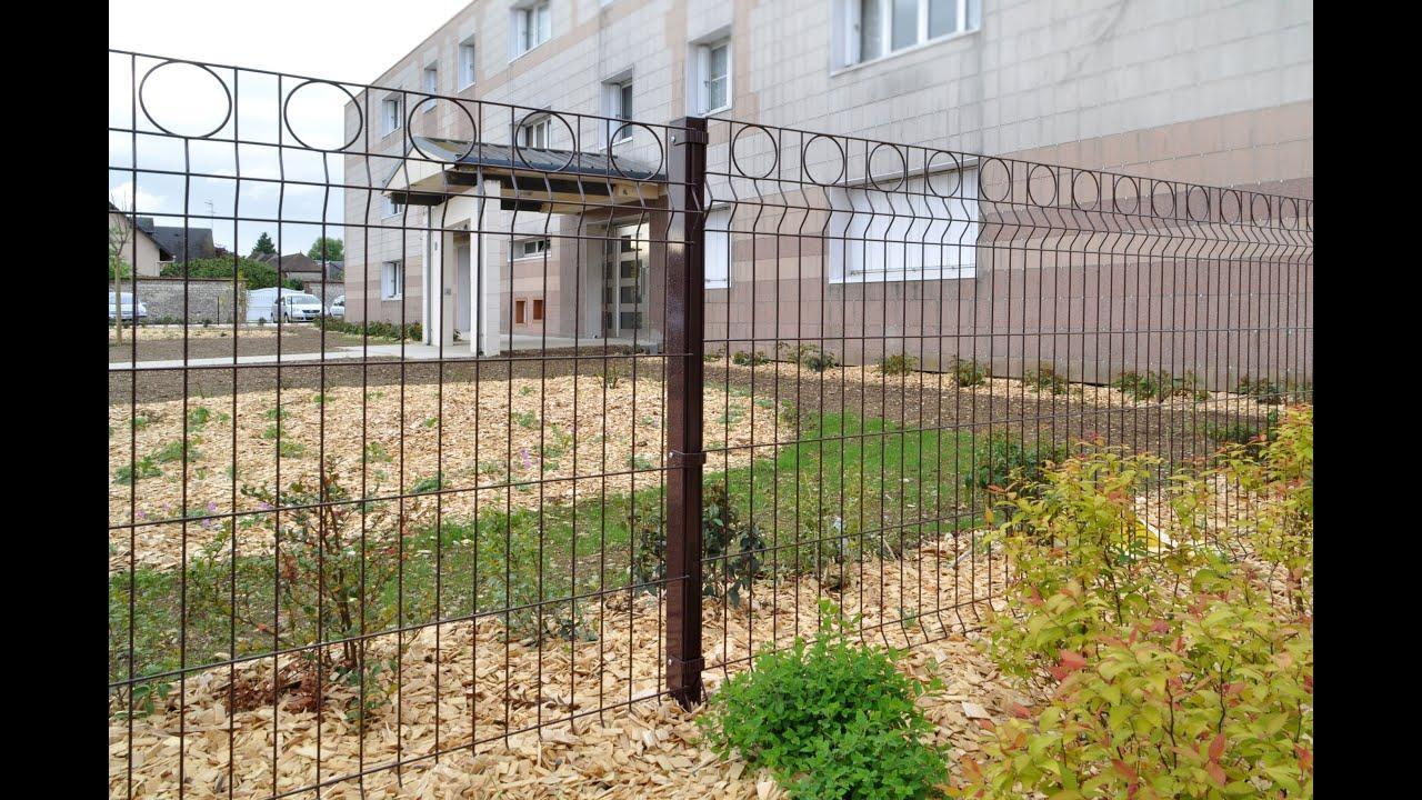 Panneaux rigides décoratifs : clôture de jardin, d\'aire de jeux, d\'école...