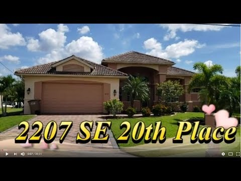 GULF ACCESS DREAM HOME! 2207 SE 20th Place, Cape Coral, FL  33990