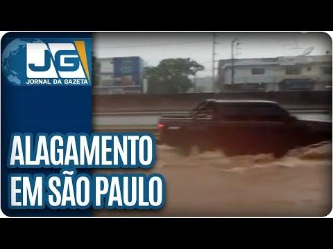 Chuva provoca alagamentos em São Paulo