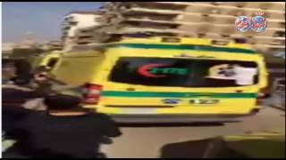 أخبار اليوم | سيارات الاسعاف تنقل جثامين شهداء الكنيسة البطرسية بعد الصلاة عليها