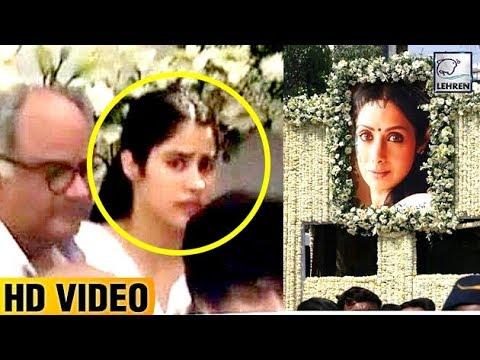 Jhanvi Kapoor Crying Terribly During Sridevi's Last Rites | LehrenTV