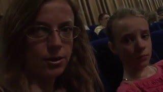 31.05.11 Я  Анна Вячеславовна Колесникова и моя дочь Ольга Денисовна Колесникова, в зале перед