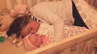 Муж находит жену в детской кроватке, а затем осознает душераздирающую причину, почему она там…