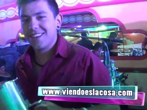 VIDEO: GRUPO TRIPLE X - Mix Éxitos De La Cumbia Boliviana - En Vivo - WWW.VIENDOESLACOSA.COM - Cumbia 2014