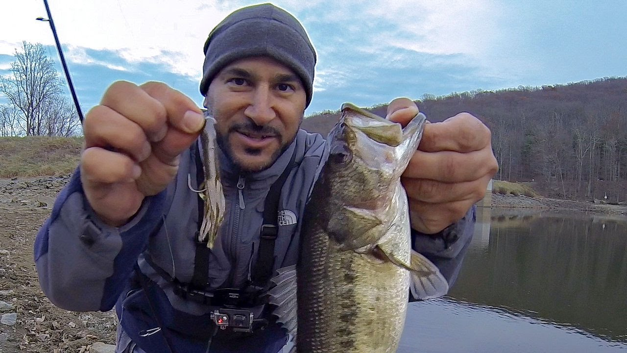 Late fall bass fishing from shore tube bait youtube for Youtube bass fishing