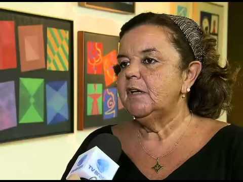 Obras do artista plástico Athos Bulcão podem ser vistas numa exposição em Brasília