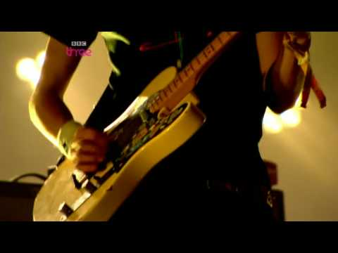 Bloc Party - Positive Tension LIVE @ Glastonbury 2009 [HQ]