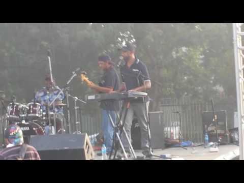 P2uIF Performing 'Ari Minemo' Live