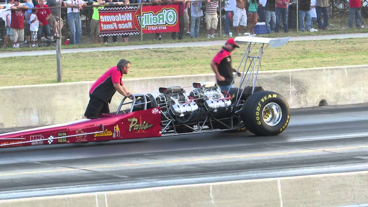 Twin Engine Top Fuel Dragster vs Nitro Injected Front Engine