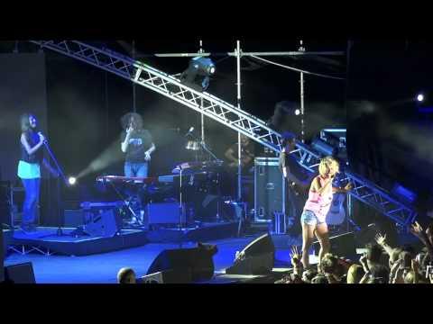 Emma - Nel blu dipinto di blu - Sarò Libera tour - Lignano Sabbiadoro 2012