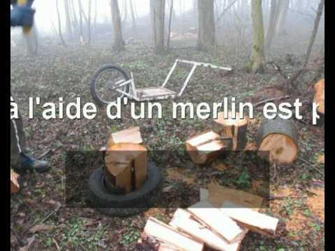 Fendre du bois au merlin splitting firewood rozd len palivov d v youtube - Fendre du bois ...