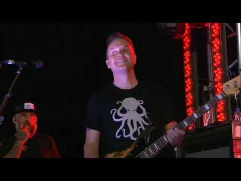 Blink 182 - Brohemian Rhapsody Live 2016 (X-Games/Proshot HD)