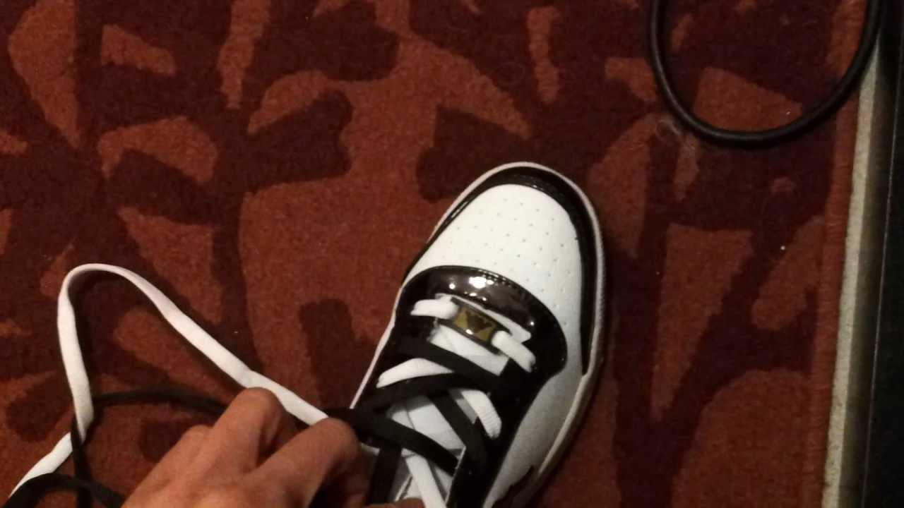 Come Mettere 2 lacci in una scarpa! - YouTube 9d2886d8701