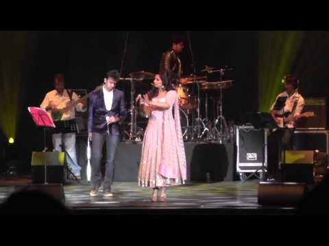 Shreya Ghoshal - Manwa Laage live in Holland 2015