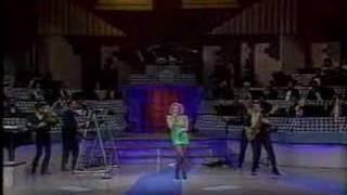 Marta Sanchez & Ole Ole - Bailando Sin Salir de Casa