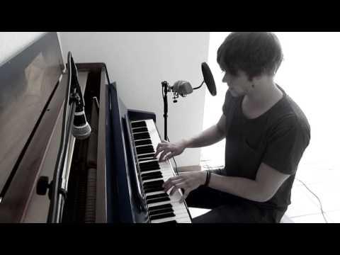 Damian Lynn - Memories (Live Piano Version)