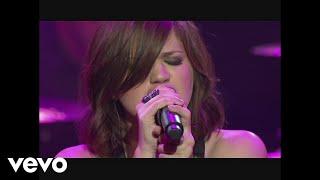 Смотреть клип Kelly Clarkson - Judas