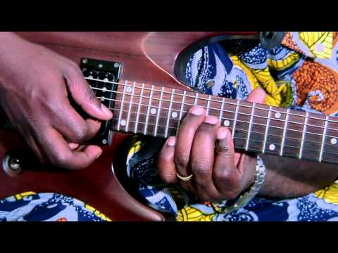 The Congolese Solo Guitar & bass Style by Patrick Mazina