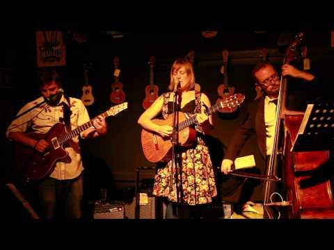 Étoiles - Melanie Horsnell, Brian Campeau and Mark Harris, live at Mona Vale Music