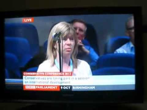 Maria asking question at Conservative party conference 001
