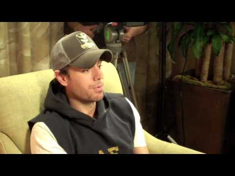 Enrique Iglesias - Best Interview Ever with Chuey Martinez