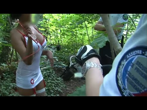 """Une """"infirmière"""" qui soigne ses clients au bois de Boulogne..."""