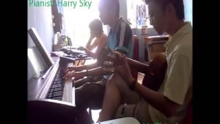 Quỳnh Hương - Guitar ft. Piano.wmv