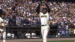 Barry Bonds ties the game with his 64th homer