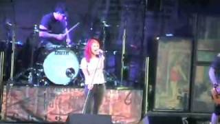 No Doubt/Paramore Detroit Michigan july 3rd. Decode (LAST PARAMORE SONG)