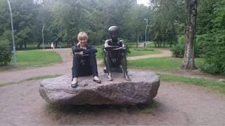 Смотреть видео Зеленый район Санкт-Петербурга / Калининский район онлайн