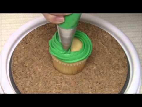 Como Decorar Cupcakes Navidenos Con Buttercream Youtube