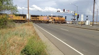 Union Pacific Train #5906 Loud Horn and Long Train - Athens Avenue Railroad Crossing (Lincoln ,Ca)