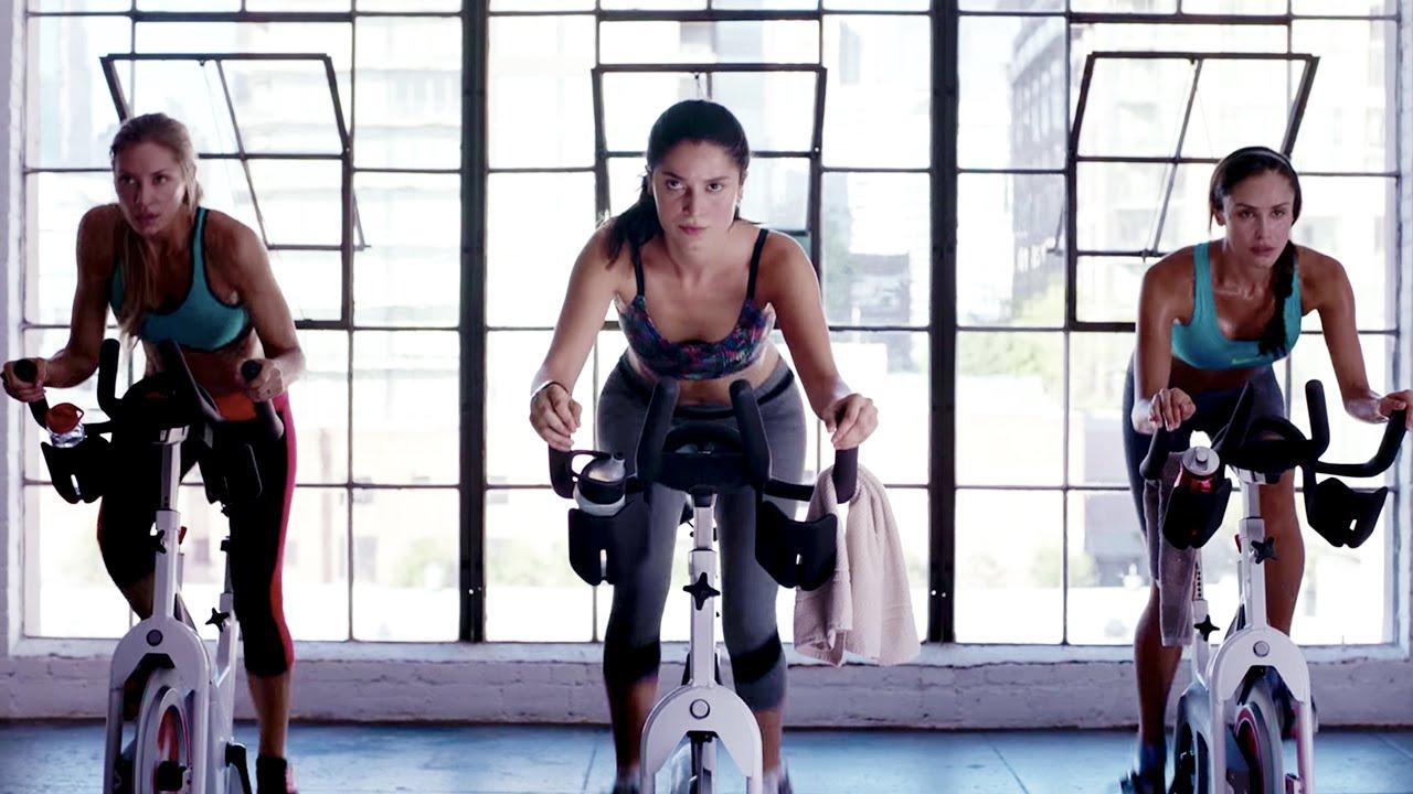 Garmin vívosmart HR fitness tracker