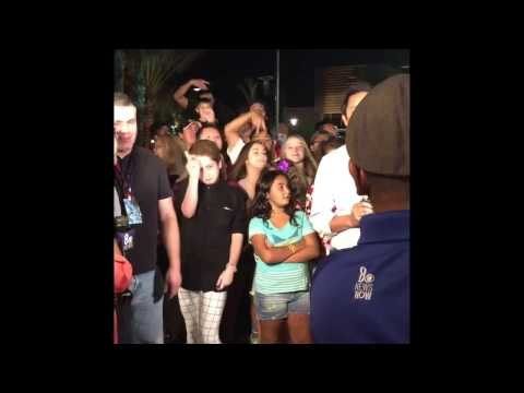Menino Diva e Rouba as Atenções em Jornal Ao Vivo (Kid Goes Full Diva On Live TV) Brendan Jordan