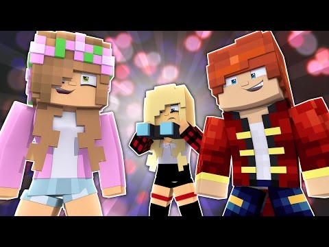 LEOS EX GIRLFRIEND IS SPYING ON US! Minecraft Little Kelly (Custom Roleplay)