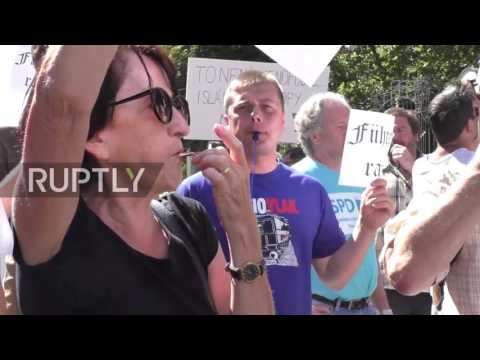 Czech Republic: Merkel met by protests upon arrival in Prague