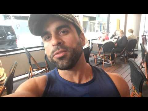 VLOG #6: BROADWAY, RUSH TICKETS, TIMES SQUARE, JUNIOR'S
