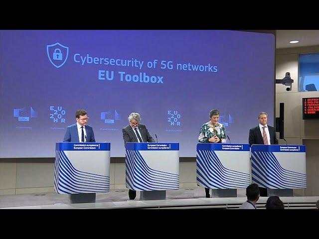 <span class='as_h2'><a href='https://webtv.eklogika.gr/odigies-tis-ee-gia-to-5g-choris-mploko-stin-huawei' target='_blank' title='Οδηγίες της ΕΕ για το 5G χωρίς «μπλόκο» στην Huawei'>Οδηγίες της ΕΕ για το 5G χωρίς «μπλόκο» στην Huawei</a></span>