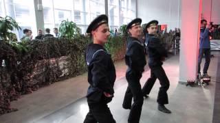 """23 февраля для Wargaming. Танец моряков """"Яблочко""""."""