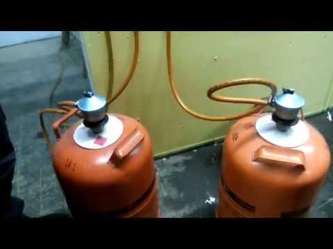 Dos bombonas de gas propano youtube for Instalacion gas butano