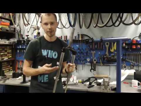 Как обслужить и чем смазать вилку велосипеда.