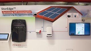 Tesla представила новые накопители электричества Powerwall 2 и солнечные панели для крыши(, 2016-10-31T05:54:09.000Z)