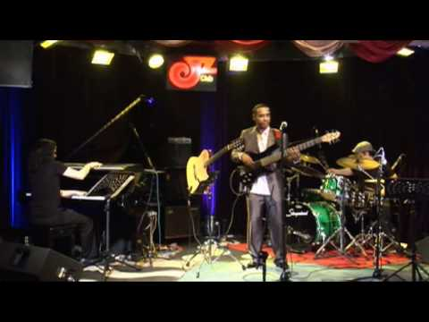 Tinho Pereira - Brazilian Groove